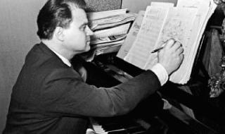 Композиторство и музыкальная теория как инструмент в работе